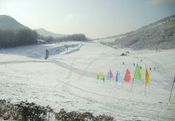 乐虎国际娱乐手机版周边滑雪场线路  船进神农架 滑雪泡温泉 冰火两重天风情三日游